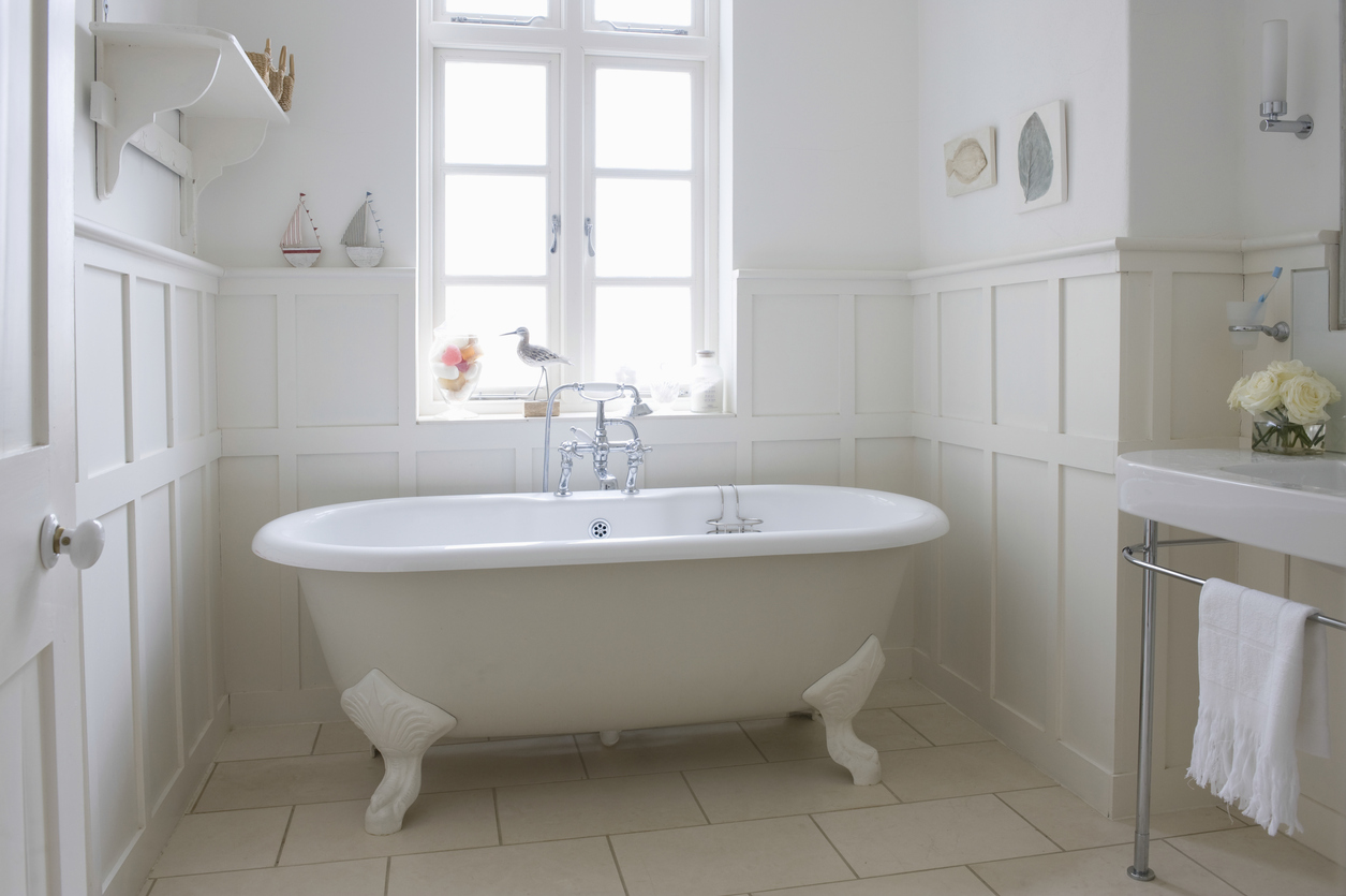 reglazing-instead-of-replacing-for-bathtub-refinishing